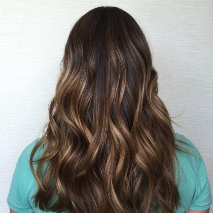 Мелирование тонкими прядями на темные волосы
