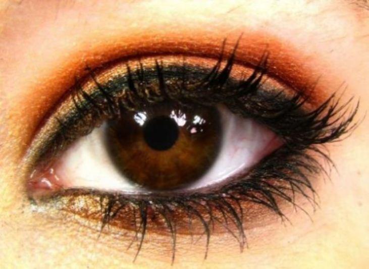 фото карие глаза мужчины