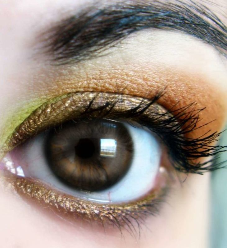 Evening makeup for brown eyes