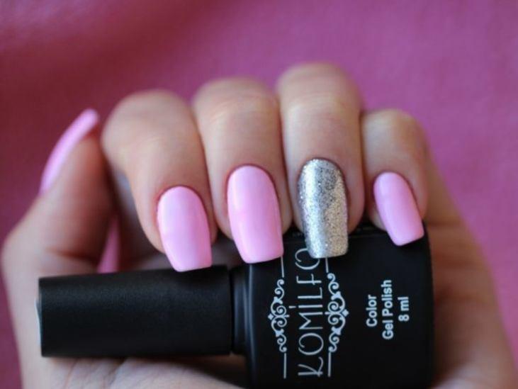 Маникюр розовый черный блеск