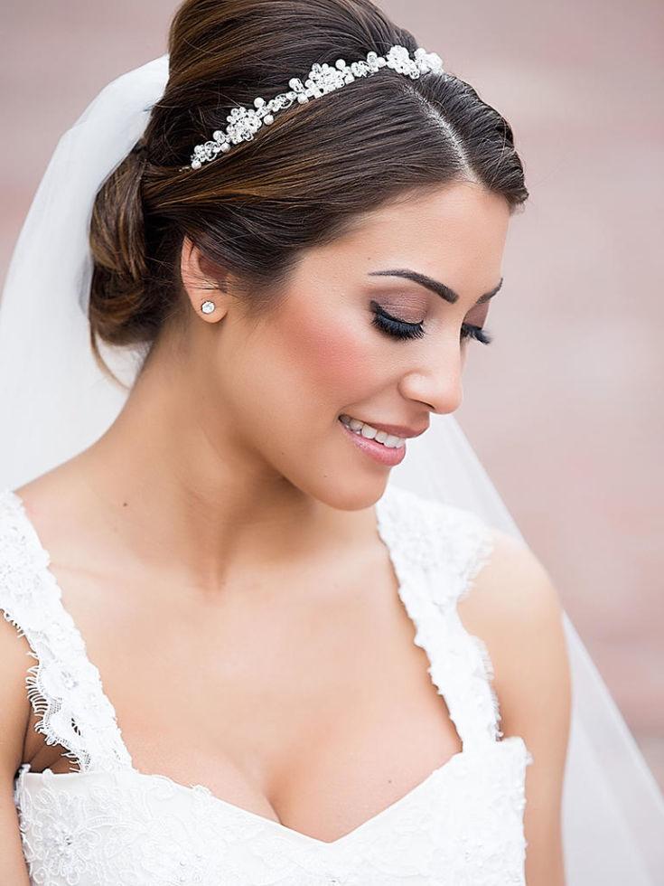 одного макияж на свадьбу для невесты фото повторяет контуры предметов