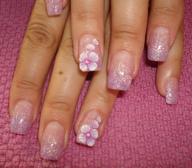 В году представлено неограниченное количество различных дизайнов ногтей, которое может быть только ограничено фантазией стилиста.