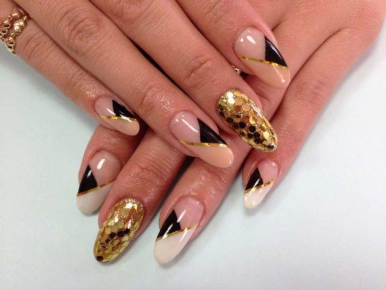 Ногти нарощенные с золотом