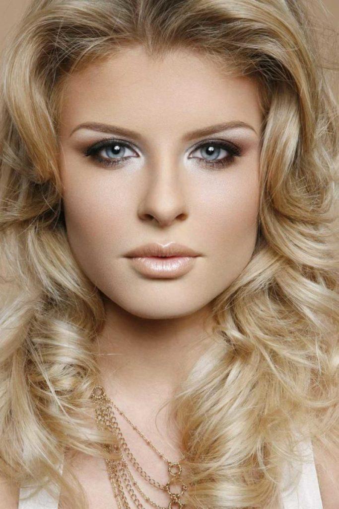 фото картинки макияж для серых глаз и русых волос фото должно быть прочным