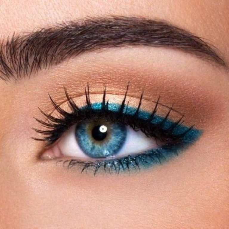 Subtle eye makeup for blue eyes