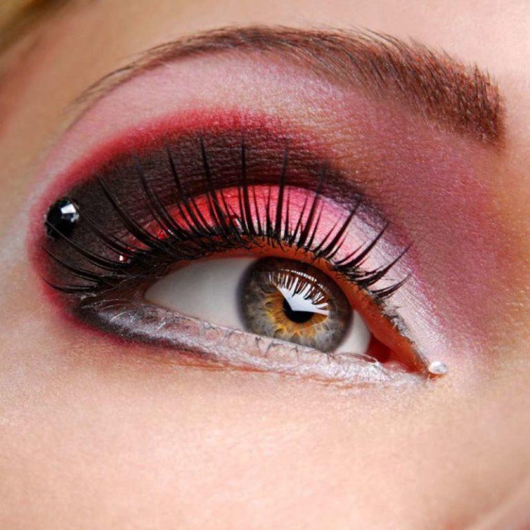 Gray eye makeup