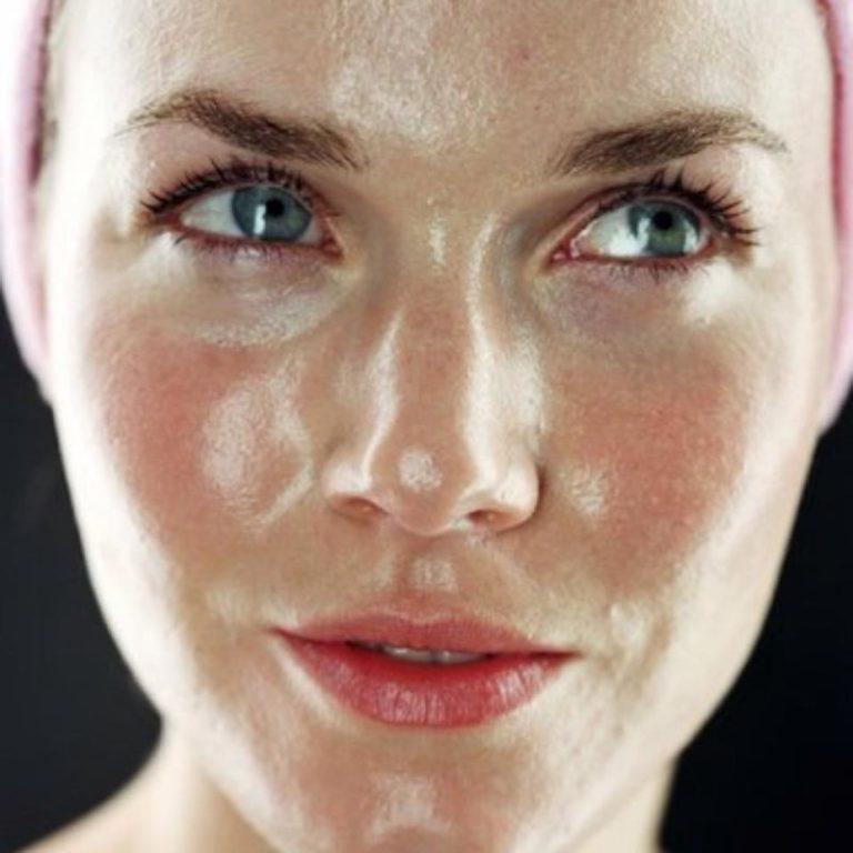 Как избавиться от жирной кожи на лице?