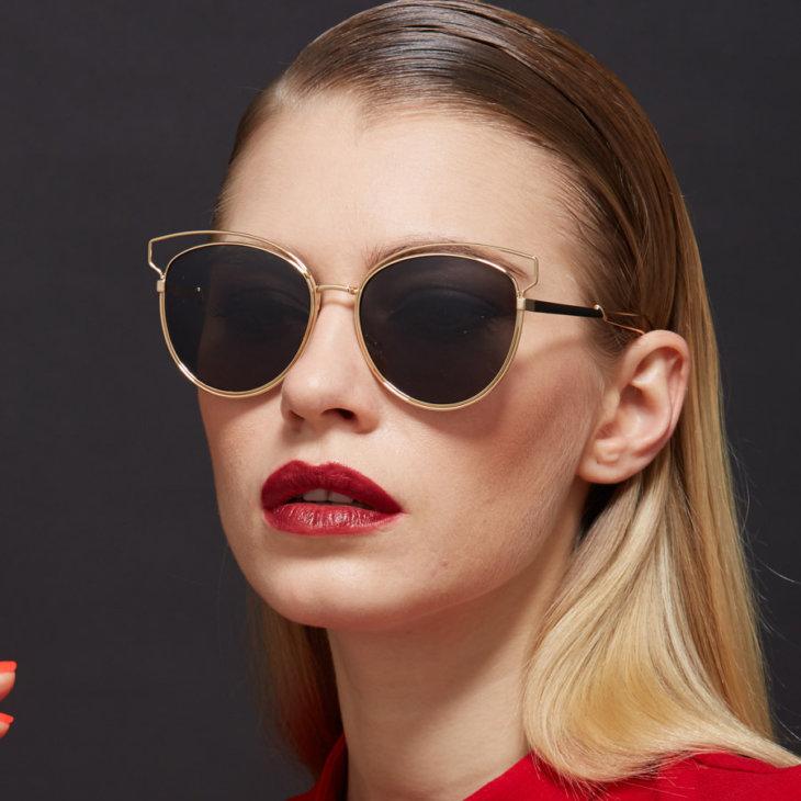 В наши дни затемненные очки стали настоящим полноценным атрибутом  изысканного модного образа. Женские солнцезащитные очки — тренды 2017 года,  ... 4ad516f9e74