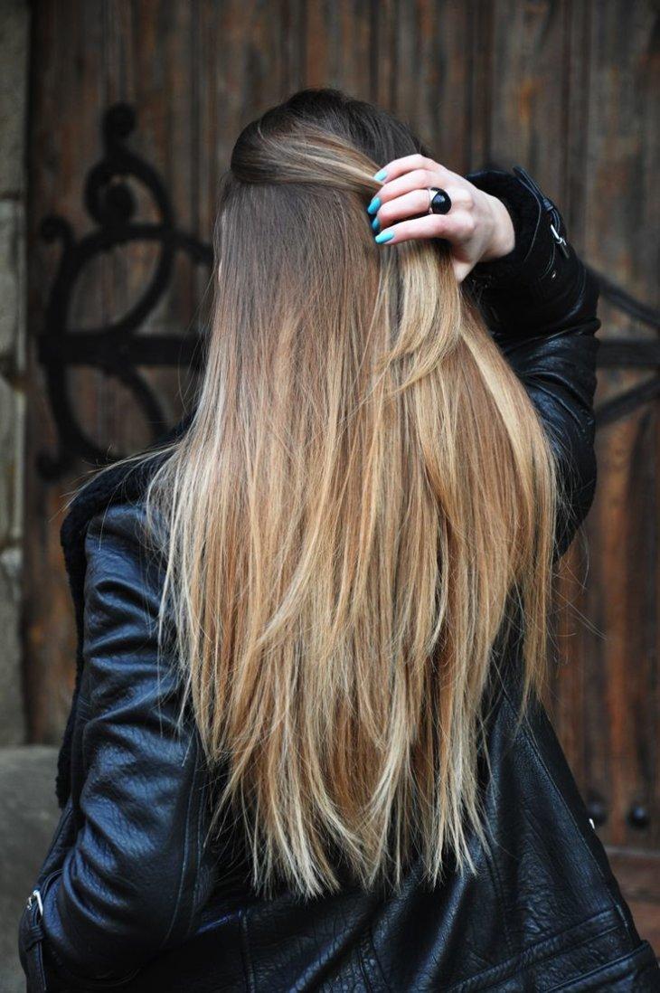 фото девушек с натуральным цветом волос сзади так ничего, живем