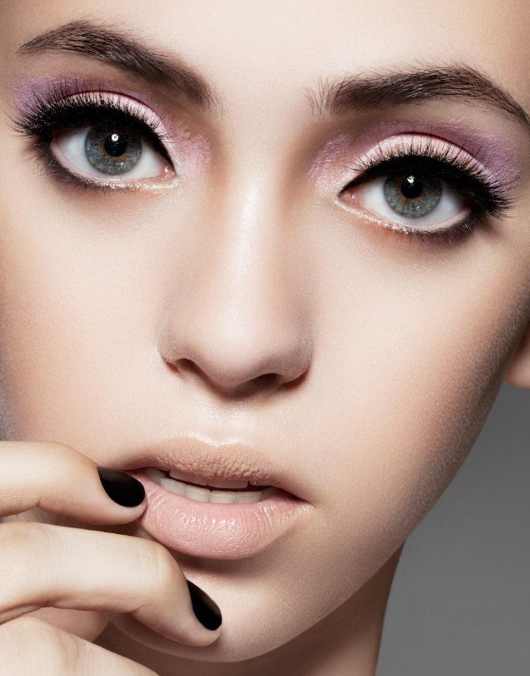 Как сделать макияжем больше глаза
