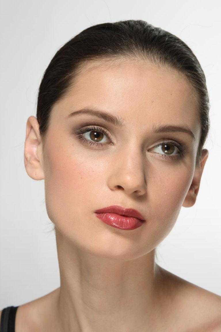 Брюнетки повседневный макияж фото