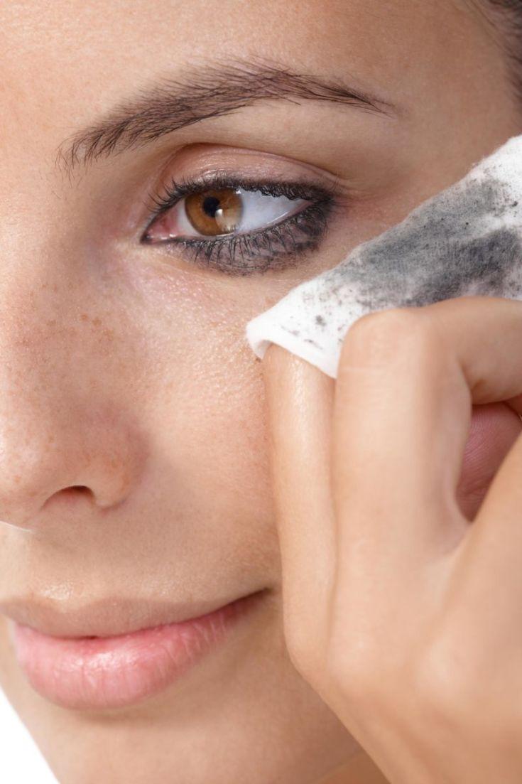 Чем смыть макияж с лица в домашних условиях
