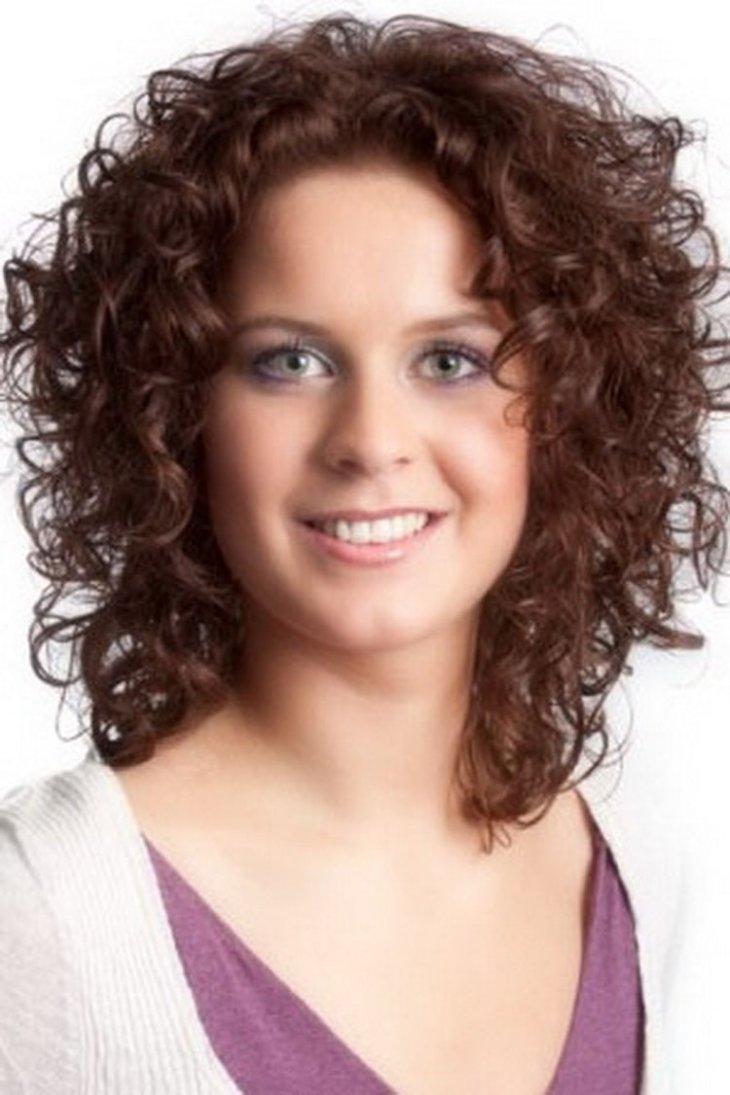 Прически на средние волосы плетение кос фото таких соревнованиях