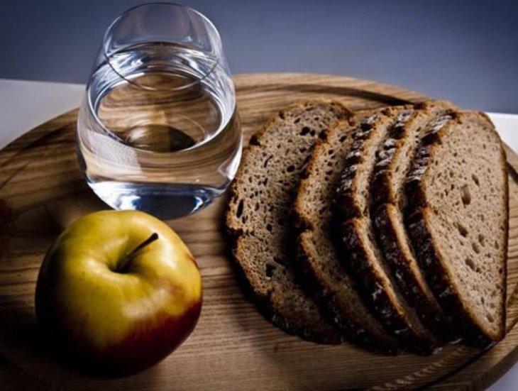 диета на черном хлебе и воде