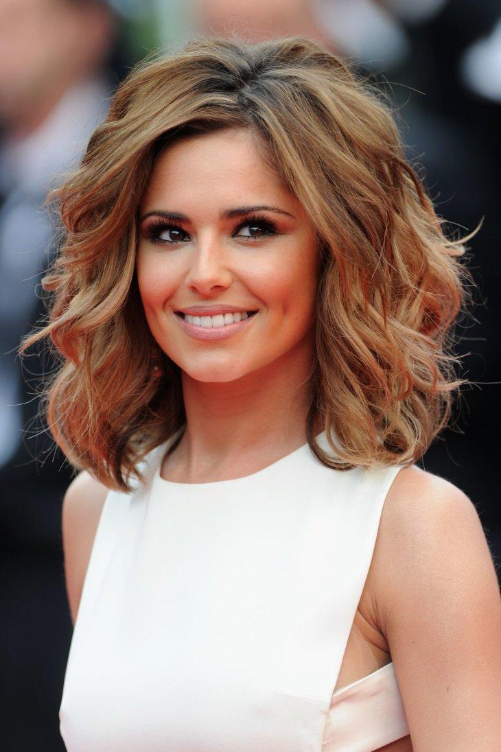 Причёски на средние волосы с объемом
