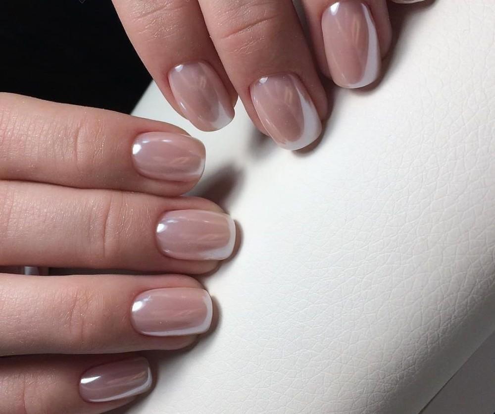 Маникюр шеллаком на короткие ногти нюдовый