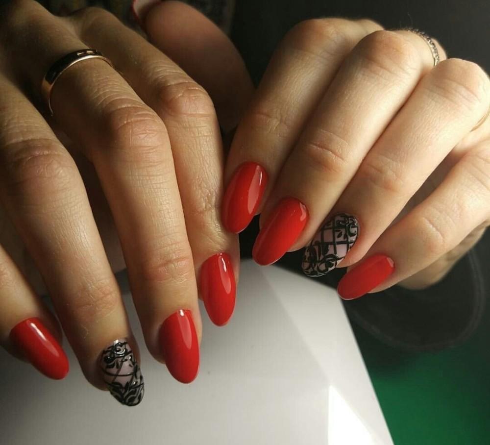 тенденция фото дизайн ногтей с красным цветом