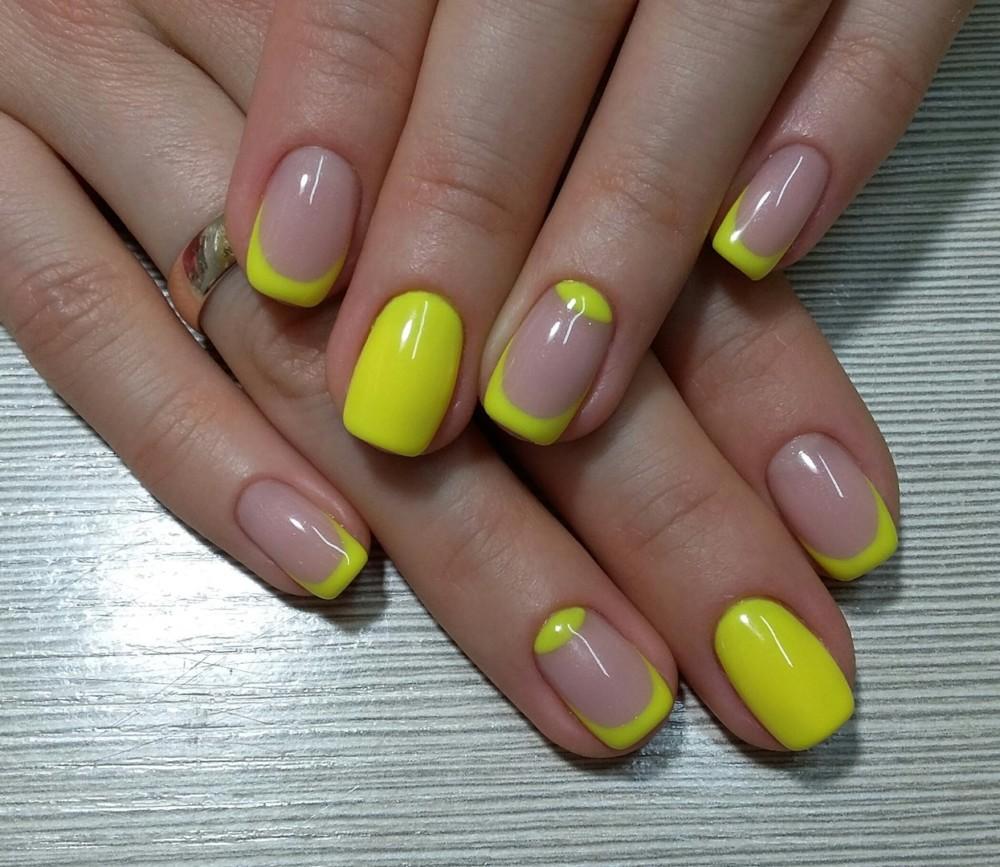 Серо-желтый ногти дизайн фото