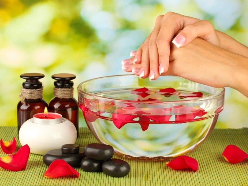 Советы, которые помогут сохранить красоту ногтей