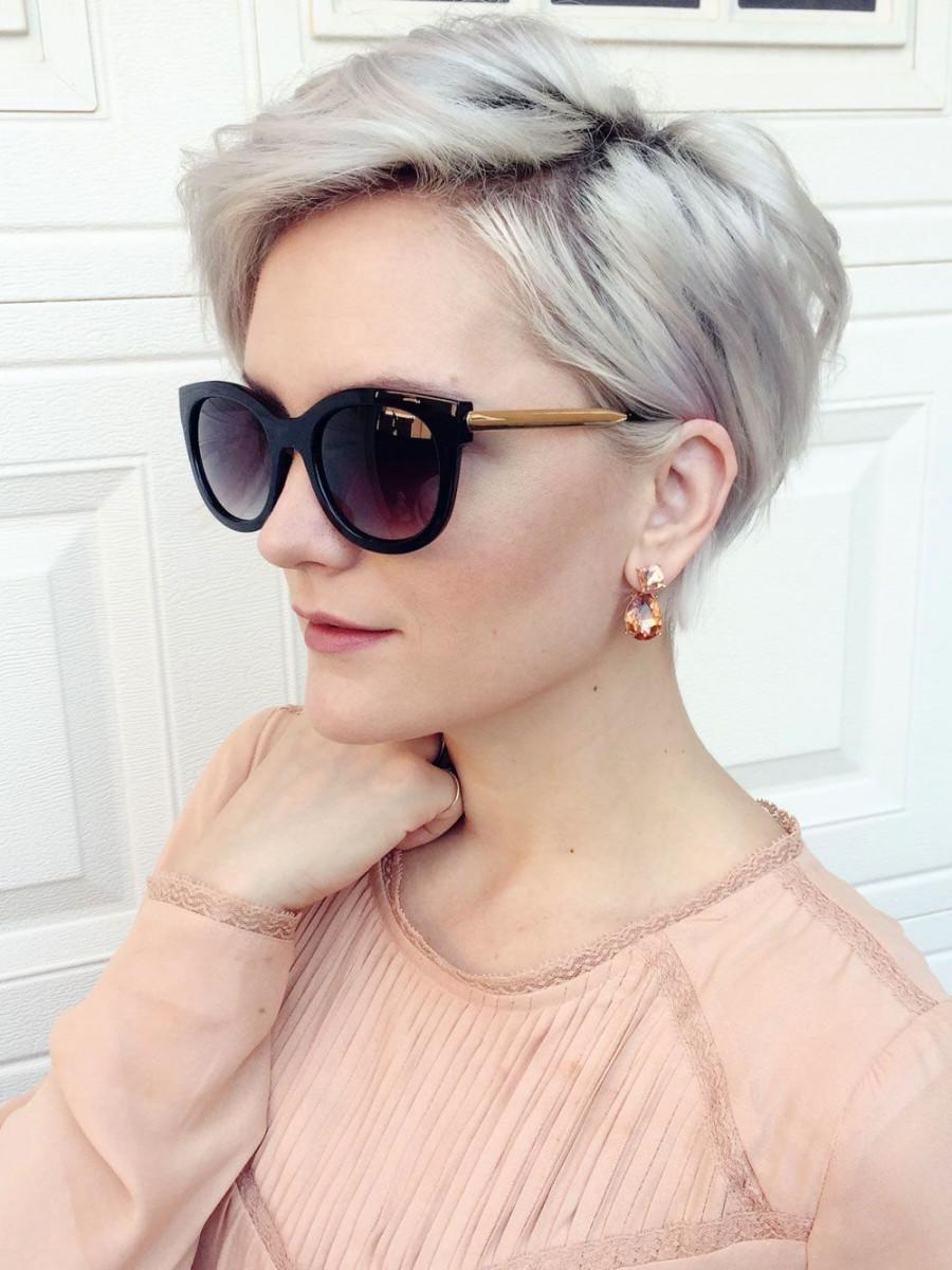модная женская короткая стрижка пикси