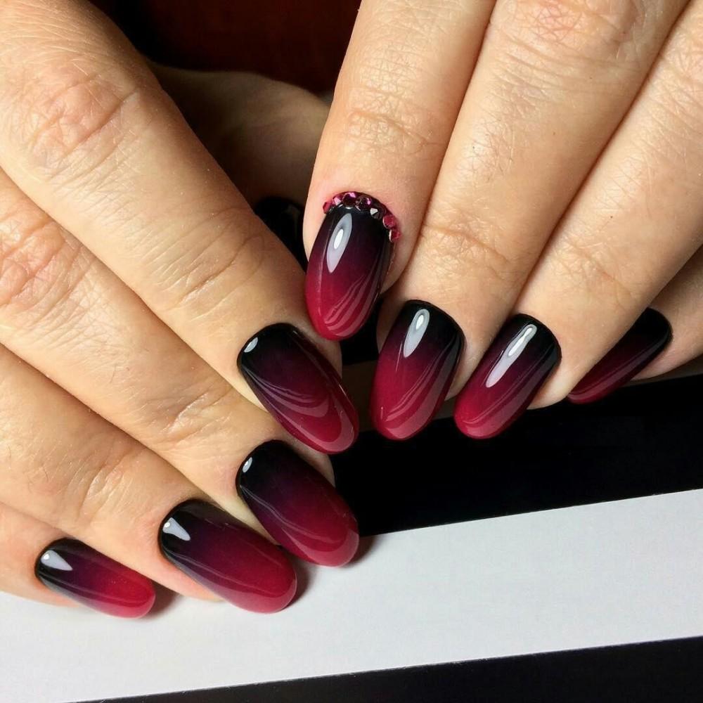 маникюр бордовый с черным фото