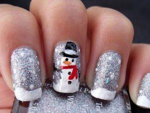 зимний маникюр со снеговиком