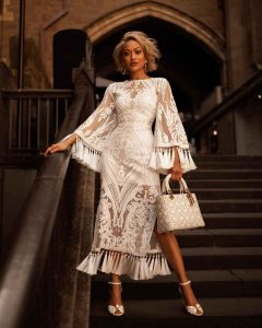 бело платье на новый год